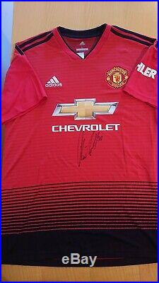 2018/2019 Manchester United Large football shirt signed by Nemanja Matic