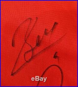 24 2009/2010 Framed Manchester United Team Signed Shirt