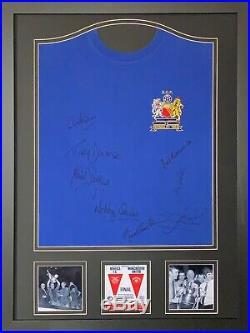 FRAMED MANCHESTER UNITED 1968 EUROPEAN CUP FINAL SHIRT SIGNED x 8 CHARLTON COA