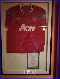 Manchester United Signed and Framed Football Shirt 2010/2011
