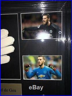 Signed David De Gea Framed Manchester United Goalkeeper Glove Spain