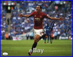 ZLATAN IBRAHIMOVIC Authentic Hand-Signed Manchester United 11x14 Photo JSA COA